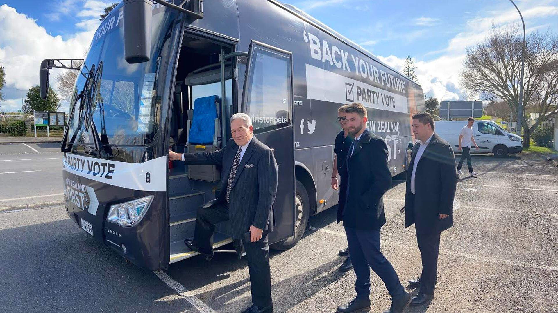 Winston Peters boards his battle bus - Credit: Twitter
