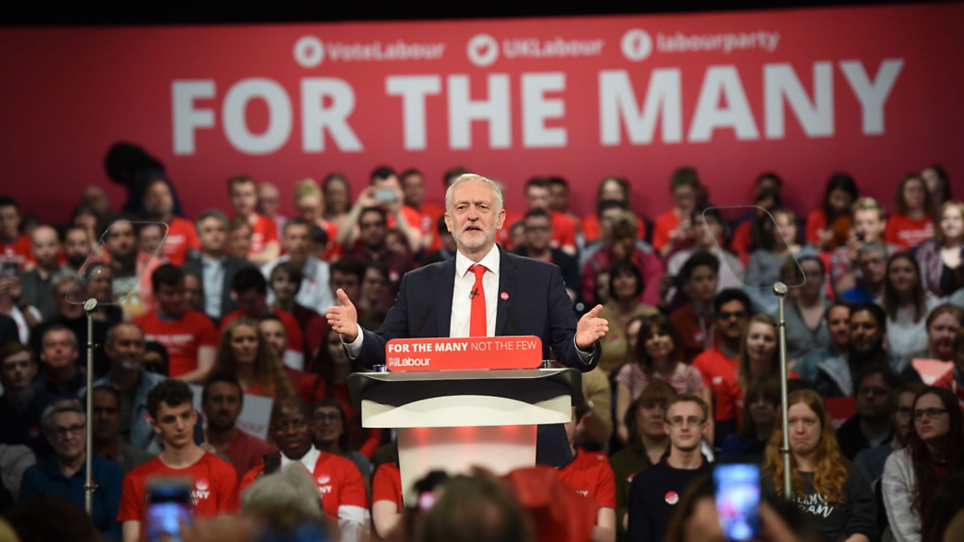 Labour leader Jeremy Corbyn speaking in front of supporters. Photograph: Joe Giddens/PA. - Credit: PA Archive/PA Images