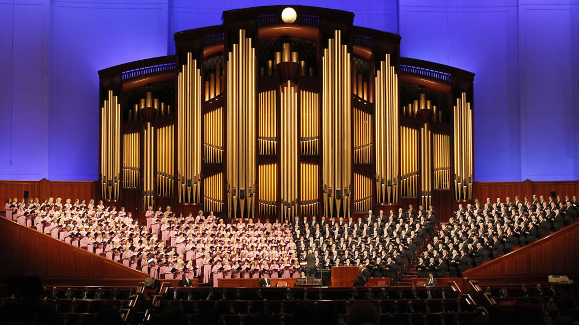 UNIQUE: The world-renowned Mormon Tabernacle Choir perform in Salt Lake City. Photo: Getty Images - Credit: Getty Images