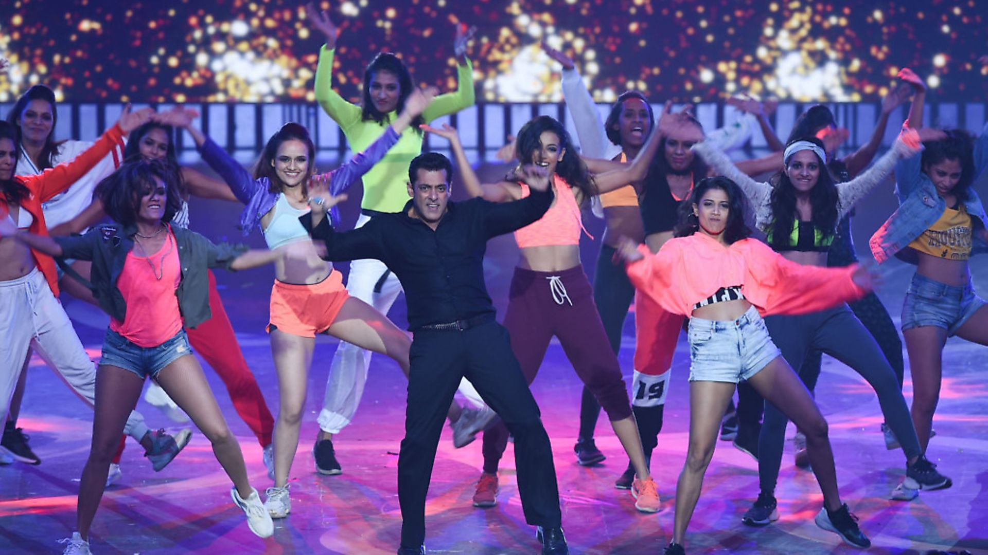 Bollywood actor Salman Khan (C) performs on stage during the 20th International Indian Film Academy (IIFA) Awards at NSCI Dome in Mumbai early on September 19, 2019. Photo: INDRANIL MUKHERJEE/AFP via Getty Images - Credit: AFP via Getty Images