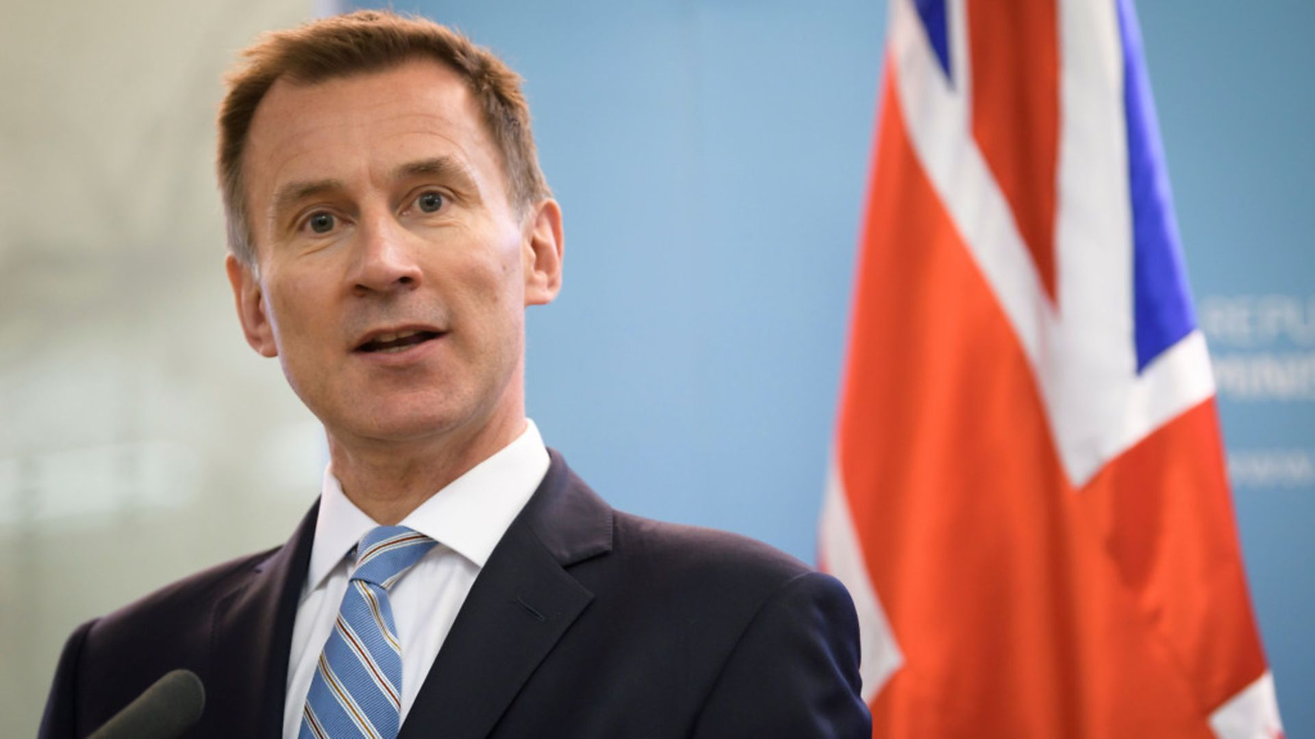 Tory former health minister Jeremy Hunt has said Covid cases should drop to '1,000 a day or less' before lifting restrictions - Credit: JURE MAKOVEC/AFP/Getty Images