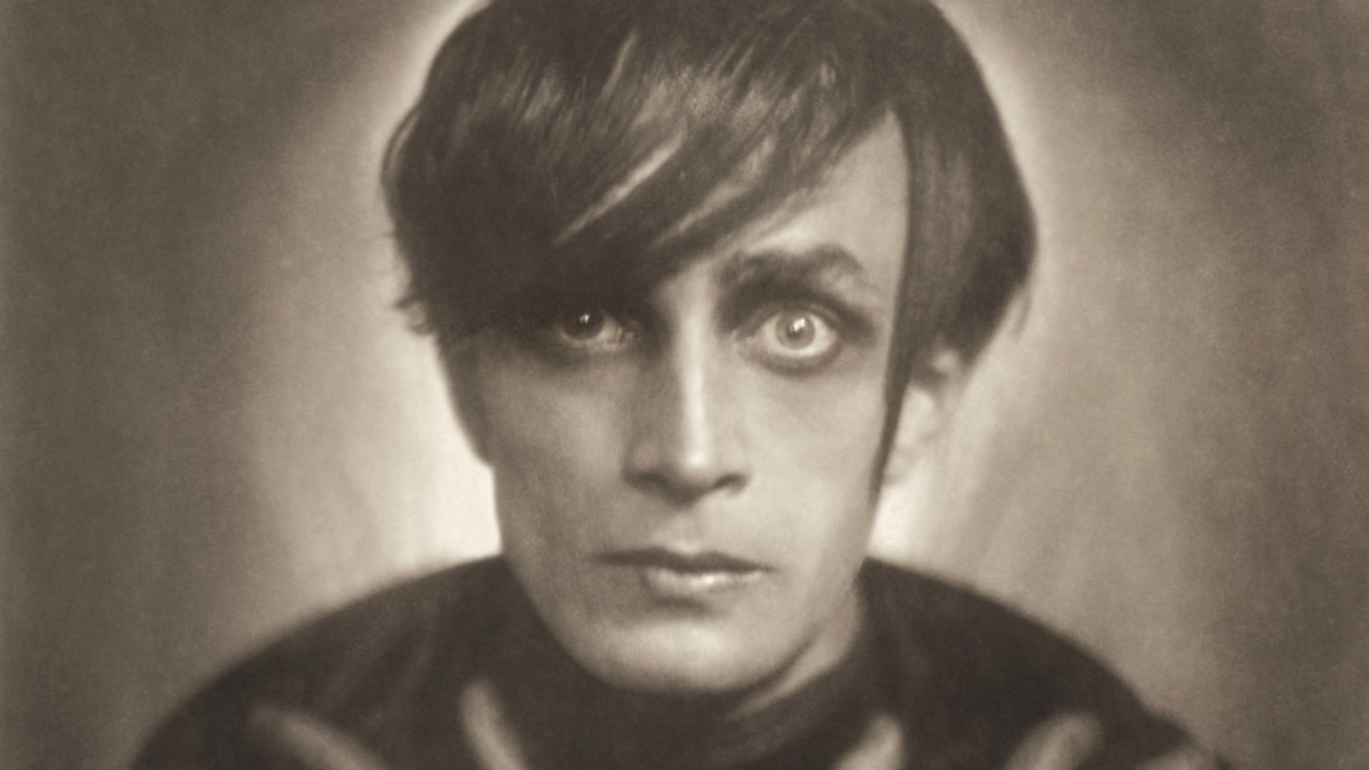 """UNSPECIFIED - CIRCA 1921:  Conrad Veidt as """"Cesare"""" in the film """"The Cabinet of Dr. Caligari"""". Photograph. 1921  (Photo by Imagno/Getty Images) - Credit: Getty Images"""