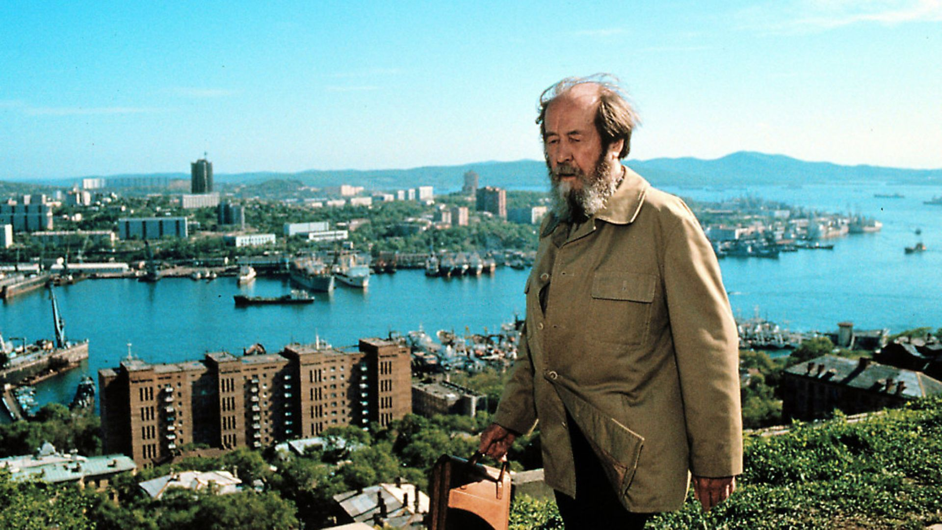 Alexander Solzhenitsyn poses during his journey through Siberia upon his return from the USA on May 30, 1994  in Vladivostock, Siberia, Russia. Photo: Laski Collection/Getty Images - Credit: Getty Images