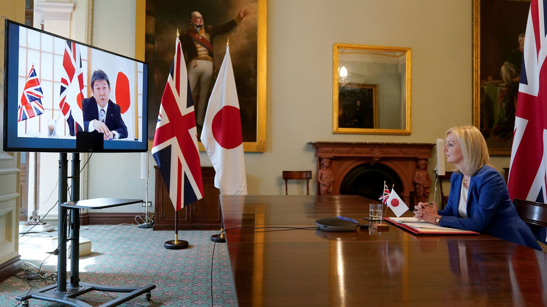 Liz Truss speaking to Japan's Minister for Foreign Affairs Toshimitsu Motegi - Credit: Downing Street/PA