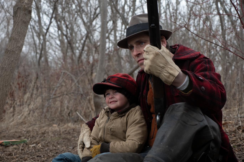 Sverrir Gudnason as the younger Willis with son John (Grady McKenzie) in flashback in Viggo Mortensen's Falling (2020) - Credit: Modern Films