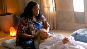 Natasha Rothwell as Belinda and Jennifer Coolidge as Tanya in Mike White's The White Lotus Photo: HBO