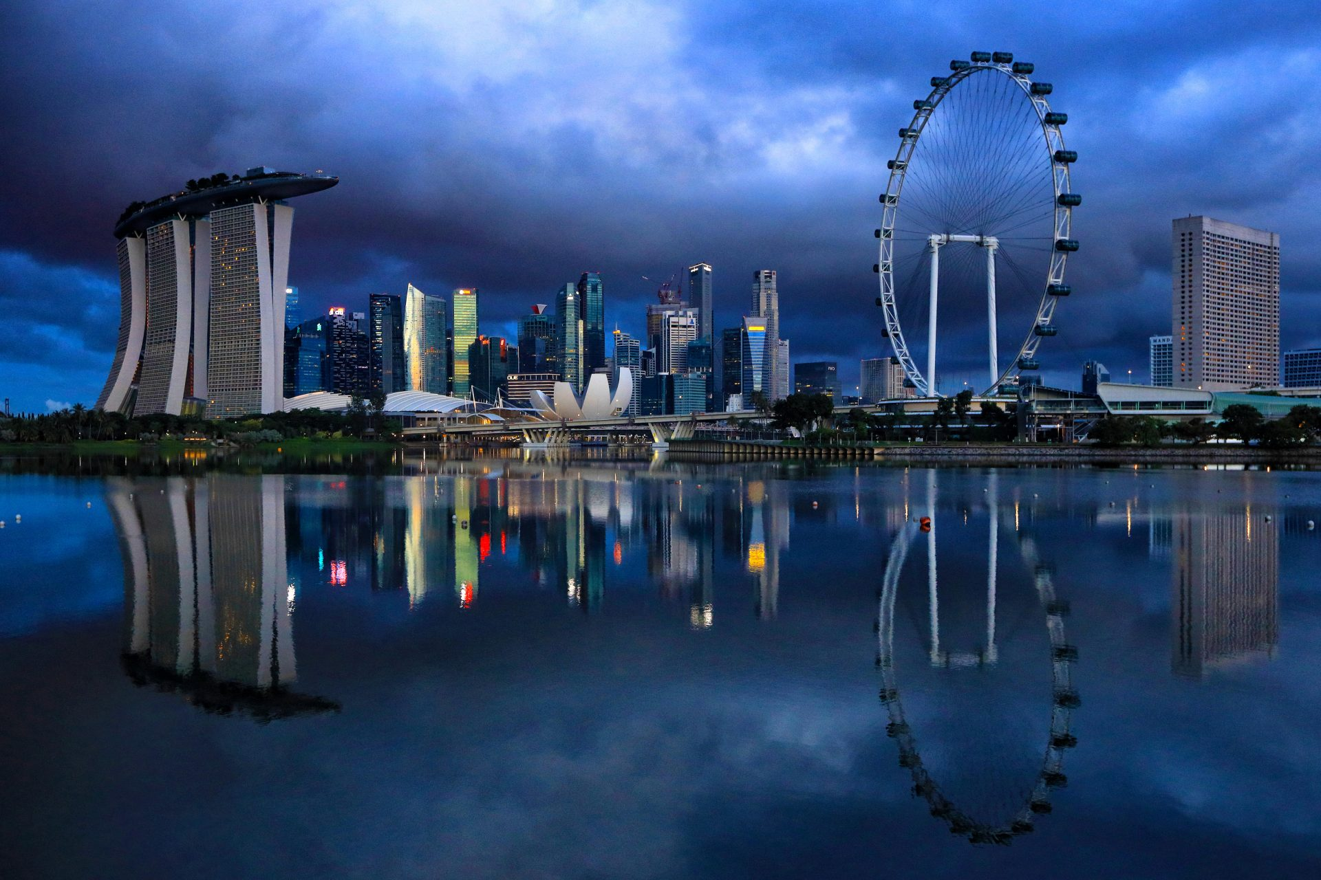 A view of Singapore's waterfront, including (far left) the vast Marina Sands Bay hotel and casino. Photo: Suhaimi Abdullah via Getty Images.